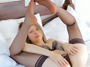 Sexy gorgeous babe has all the fun solo as she plays with cunt and fingers...