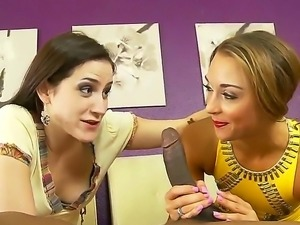 Mother in law Addie Juniper teaches her sexy stepdaughter Marry Lynn how to...