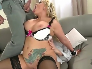 Sexy sensational enjoys giving guy a stemy blowjob before her cunt is drilled...