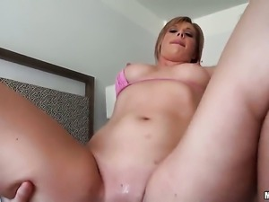 Jessica Heart is a blowjob addict who loves guys stiff cock