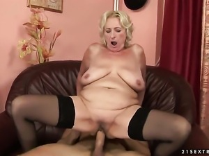Blonde breathtaker Sila is curious about giving handjob to horny guy