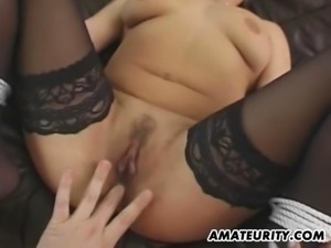 Blindfolded amateur GF action with toys and facial