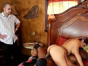Tall black bull Yahshua with big cannon fucks hard cuckold curvy milf Raylene...