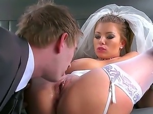 Hot slutty bride with great boobs and butt Donna Bell is having cool fuck...