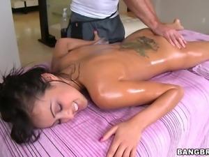 pleasing massage gets dirty