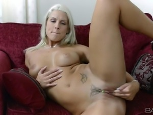 Naked sexy blonde Blanche Bradburry is sex hungry but lonely. Passionate girl...
