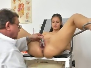Sexy brunette gets pussy gaped