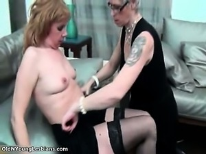 Nasty mature woman gets her pussy licked