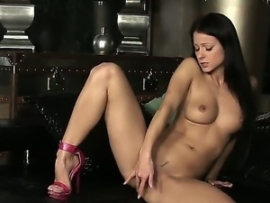 Examine the cool solo masturbation from this amazingly hot chick Melisa...