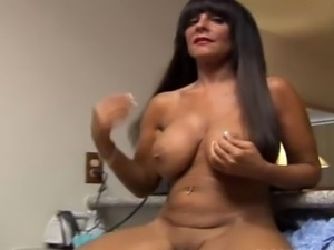 Horny mature babe with lovely large boobs and a sexy tight ass
