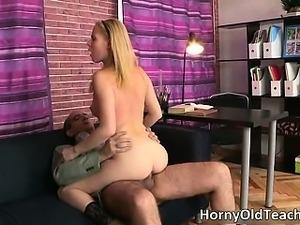 Sexy blonde slut blows stiff cock