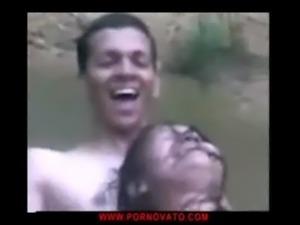 Follando en el rio-01 - www.pornovato.com free