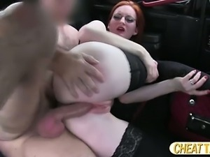 Slim amateur flashes her pussy and gets fucked inside the taxi cab
