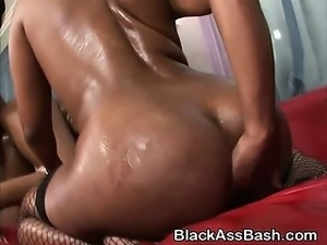 Black Beauties With Bubble Butts Banged In Threesome