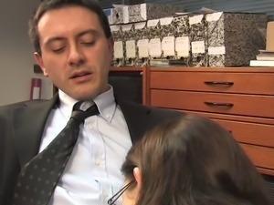 Double penetration pour la secretaire Lola Vinci