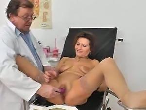 Perv doctor examines a granny's cavities