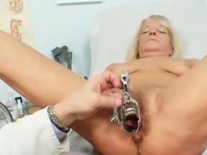 Granny dorota gets her hairy pussy gyno checked.
