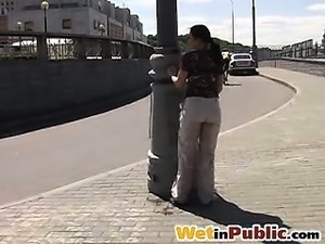 Public pee fail of a girl in beige pants