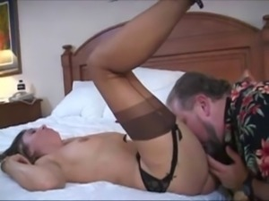 Striking white wife has a BBC double as hubby cleans