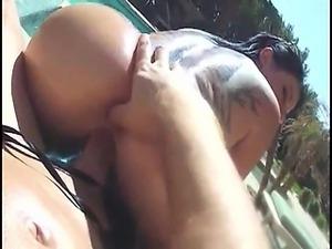 Wife fucks like a pro in the pool