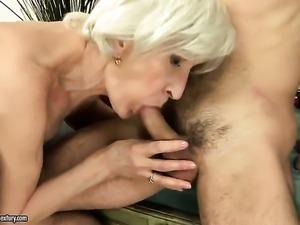 Viviana gags on throbbing cock of hot guy