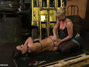 Blonde Andy Brown makes her sex dreams a come to life with lesbian Kathia Nobili