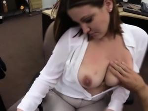 Real amateur gobbles cock