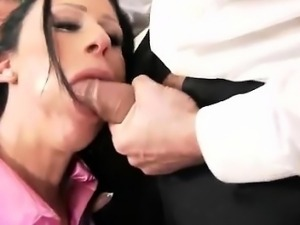 Big tits hoe deepthroats outdoors