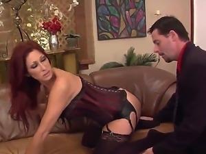 Redhead slut named Tiffany Mynx shows her big ass and get a cunnilingus