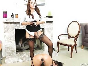 Kirsten Price gives Francesca Les slit a lick