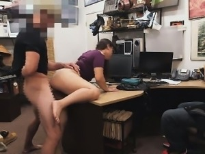 She pays it with a harcore blowjob and fuck