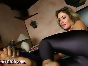 Fetish ho gets toes sucked
