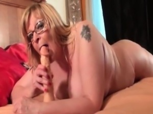 Fat old woman with big tits gets kinky part6