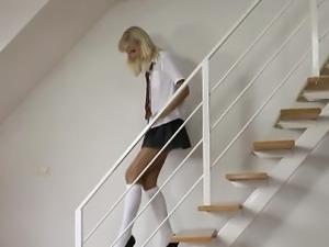 Sexy amateur brit schoolgirl