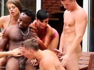 Bisexual black dude sucks