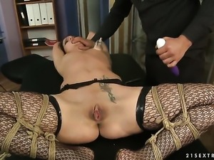 Brunette Andy Brown proves that she can fuck like no other