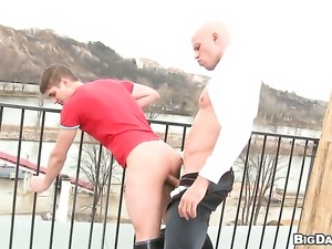Ultra sexy whore feels intense sexual while jacking dude off