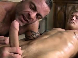 Wanking a lusty 10-pounder