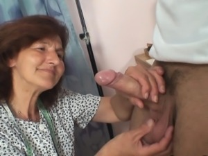 Sewing old women swallows customer\'s cock