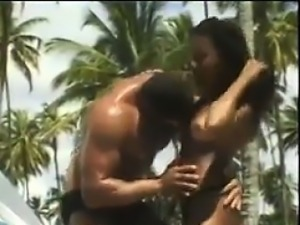Black Couple Fucking At The Beach
