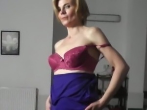 Czech cougars strip and tease