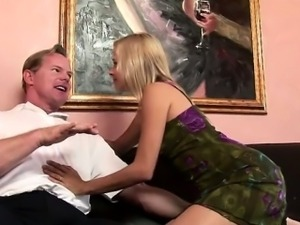 kinky housewife fucks big cock guy