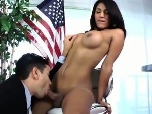 Tranny shemale gets throatfucked by a lucky guy