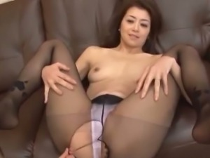 Pretty MILF Maki Hokujo dominating in hardcore sex