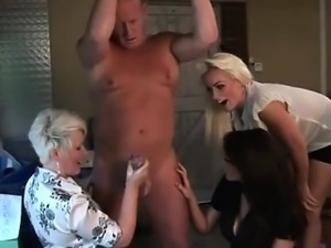 Cfnm lady gets cumshot after sucking