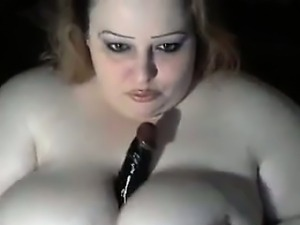 Amateur BBW Showing Off Her Tits