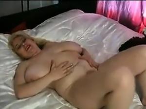 Mature BBW Masturbating