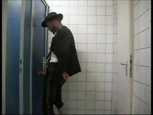 a Bavarian gets serviced