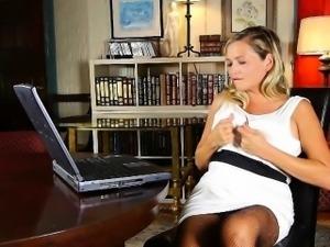 Mom\'s carefully hidden porn addiction