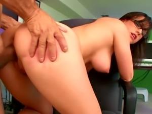 Kinky Jennifer White fucks her boss